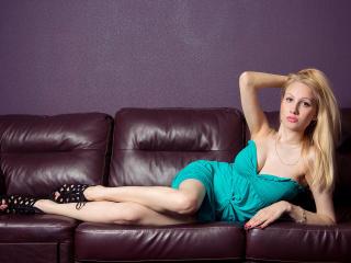 MaryBlonde horny webcam show