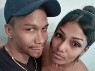 Webcam model AAliciaAndZyann from XLoveCam