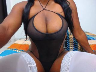 Webcam model AfroditaSexyX from XLoveCam