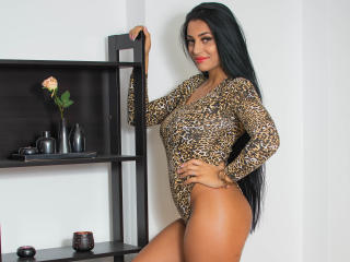 Webcam model AishaaHot from XLoveCam