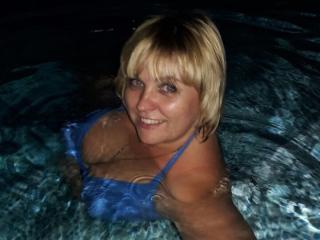 Webcam model AlanaSweett from XLoveCam