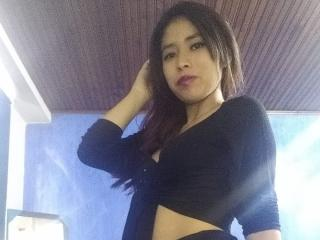 Webcam model AlejandraSindony from XLoveCam