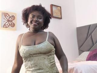 Webcam model AlessaBroun from XLoveCam