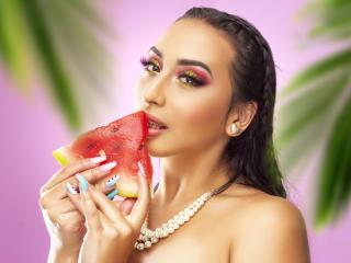 Webcam model AlessandraBaker from XLoveCam