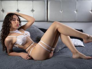 Webcam model AliceBeck from XLoveCam