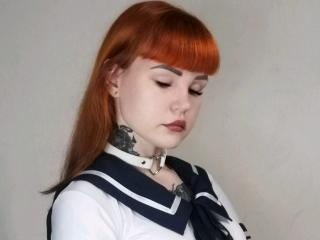 Webcam model AliceNevill from XLoveCam