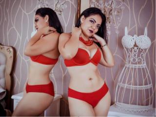 Webcam model AlicesRoux from XLoveCam
