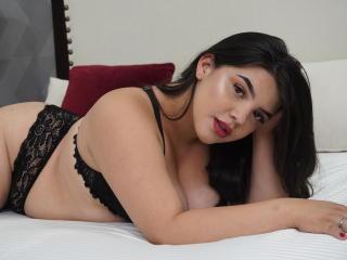 Webcam model AliciaWilson from XLoveCam