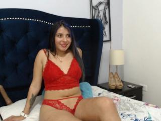 Webcam model Allexandraa from XLoveCam
