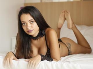 Webcam model AmaraLove from XLoveCam