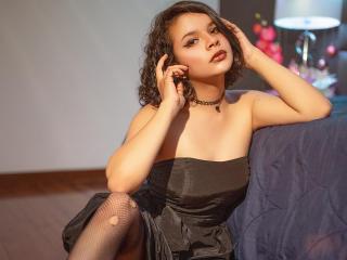 Webcam model AmyBree from XLoveCam