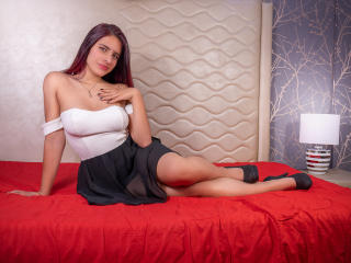 Webcam model AmyFauremont from XLoveCam
