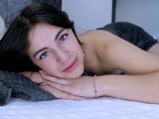 Webcam model AneyJane from XLoveCam