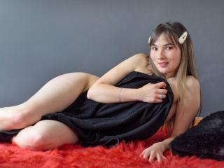 Webcam model AngelieTaylor from XLoveCam
