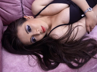Webcam model AngieLovee from XLoveCam