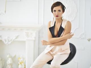 Webcam model AnissaLogan from XLoveCam