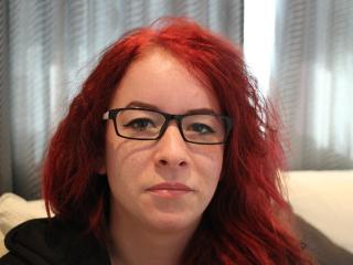 Webcam model AnnaMazikeen from XLoveCam