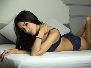 Webcam model AnnabelHawkins from XLoveCam