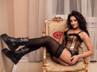 Webcam model Annee from XLoveCam