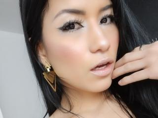 Webcam model AnnieHall from XLoveCam