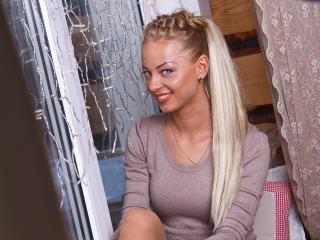 Webcam model Anntje from XLoveCam