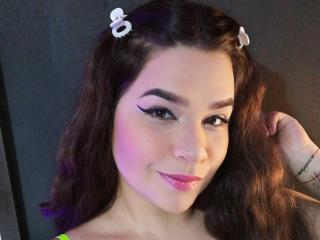 Webcam model AntonellaParkk from XLoveCam