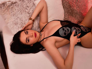 Webcam model AriaRiley from XLoveCam