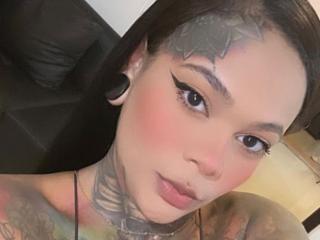 Webcam model AshleyInk from XLoveCam