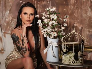 Webcam model AydraFox from XLoveCam