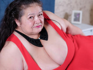 BBWLadyForYou striptease tube