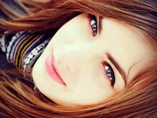 Webcam model BarbaraMoon from XLoveCam