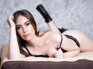Webcam model BelindaRob from XLoveCam