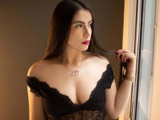 Webcam model BellaSttone from XLoveCam