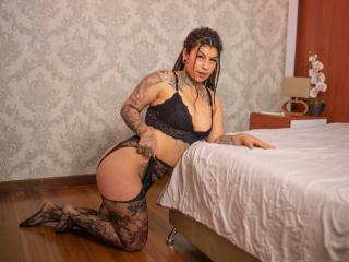 Webcam model BellatrixLestrange from XLoveCam
