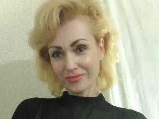Webcam model BethFarrell from XLoveCam