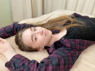 Webcam model BetsyGreen from XLoveCam