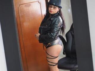 Webcam model BrendaParkerX from XLoveCam