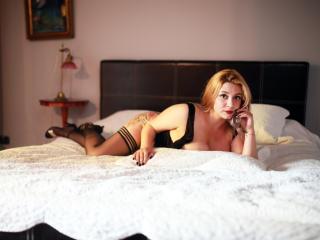 Webcam model BridgetFontaine from XLoveCam