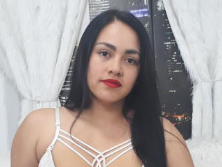 Webcam model CamilaPaige69 from XLoveCam