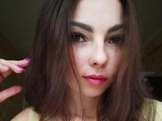 Webcam model CarolLight from XLoveCam