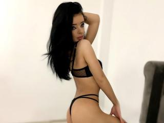 Webcam model CarolineAbbyy from XLoveCam