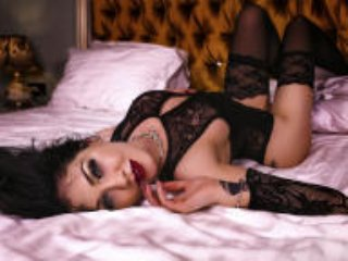 Webcam model CataleyaEdith from XLoveCam