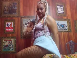 Webcam model CataleyaSousa from XLoveCam