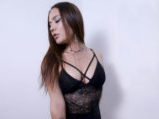 Webcam model CatleyaBrown from XLoveCam
