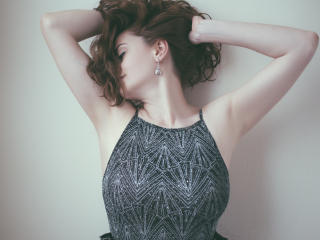 Webcam model ChicEva from XLoveCam