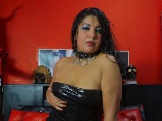 Webcam model ChristinaIgnacias from XLoveCam
