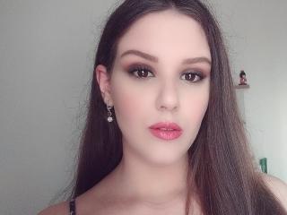 Webcam model ChristineRayssa from XLoveCam