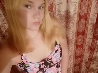 Webcam model CindyAttwood from XLoveCam