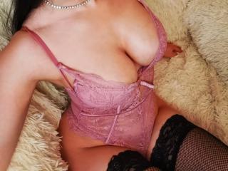 Webcam model CindyErrai from XLoveCam