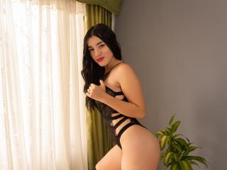 Webcam model CinthiaMarrison from XLoveCam